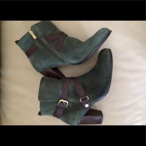 Jones New York Hunter Green Suede Leather Booties